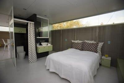v2bedroom.jpg