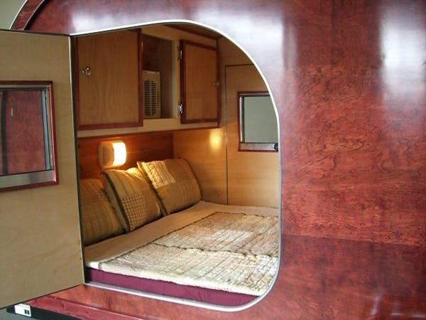 Teardrop trailer additional bedroom for Teardrop camper interior ideas