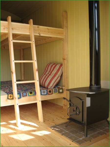 hut-interior6