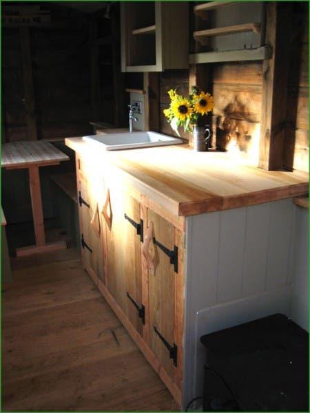kitchen-hut