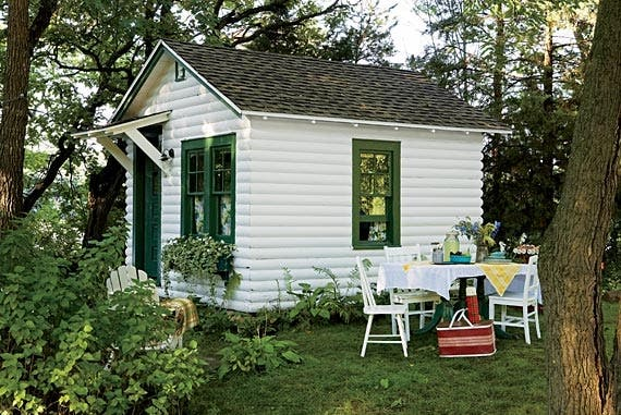 Vintage tourist cabin Small cottage homes