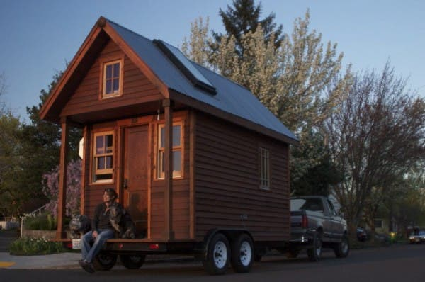 dee-williams-workshop-tiny-house-600x398