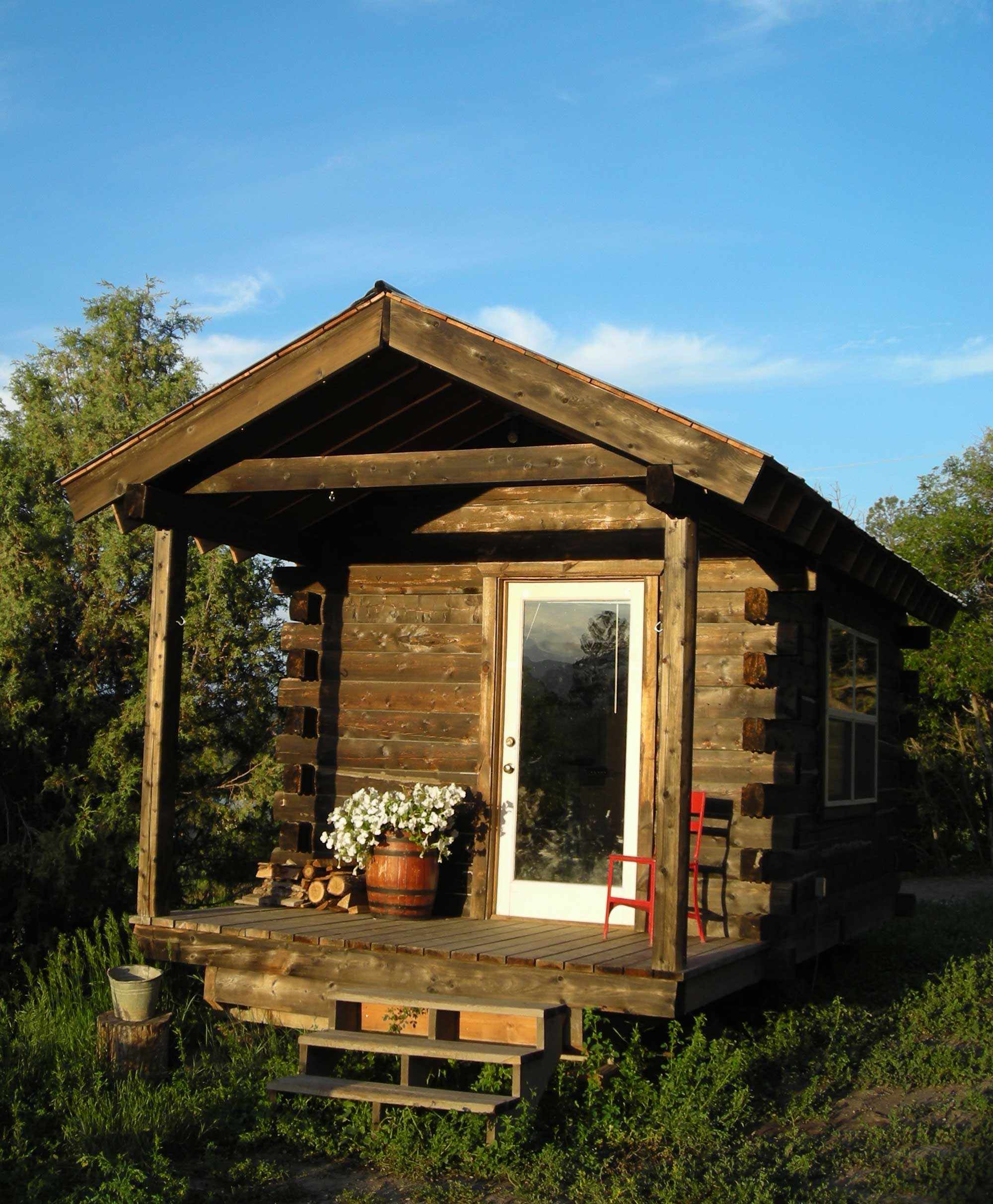 Jalopy cabins for Micro log cabins