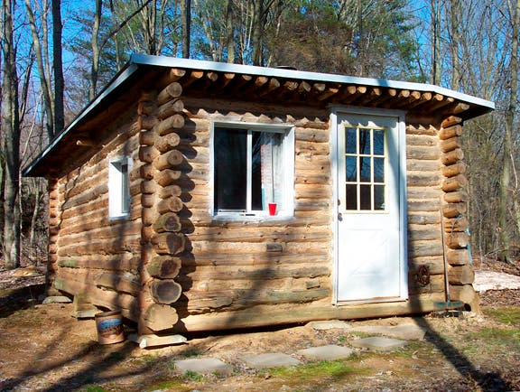 Tiny Home Designs: Keith's Tiny Log Cabin