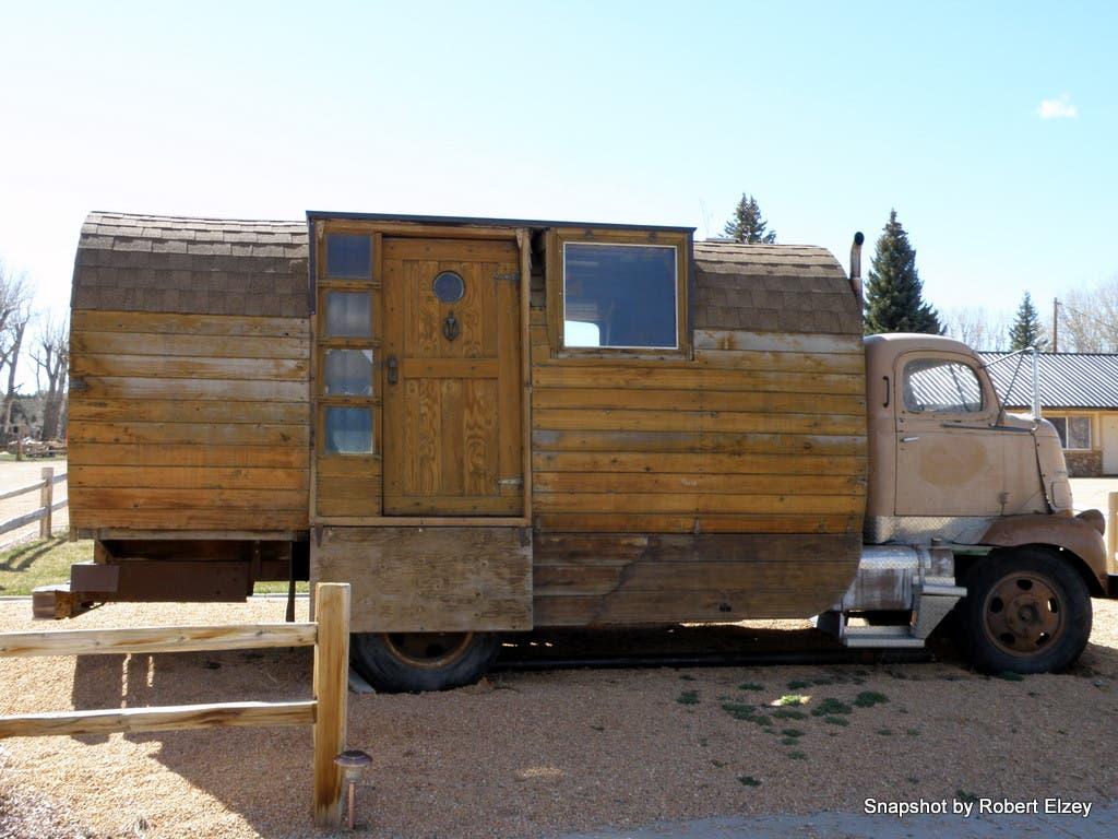 tiny truck house Housetrucks Pinterest