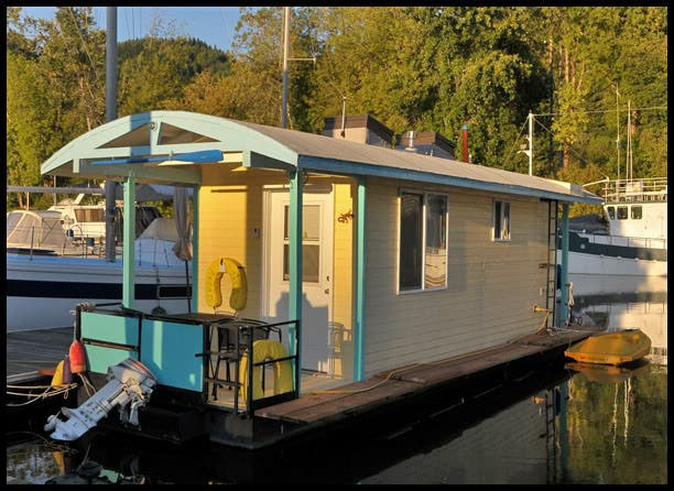 Unique houseboat on ebay Portland floating homes
