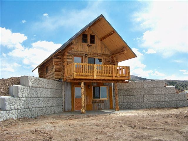Virginia city log cabin for Foundation tiny house builders