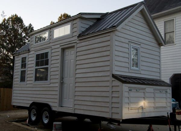 Pros and Cons of Tiny Homes and Regular Homes