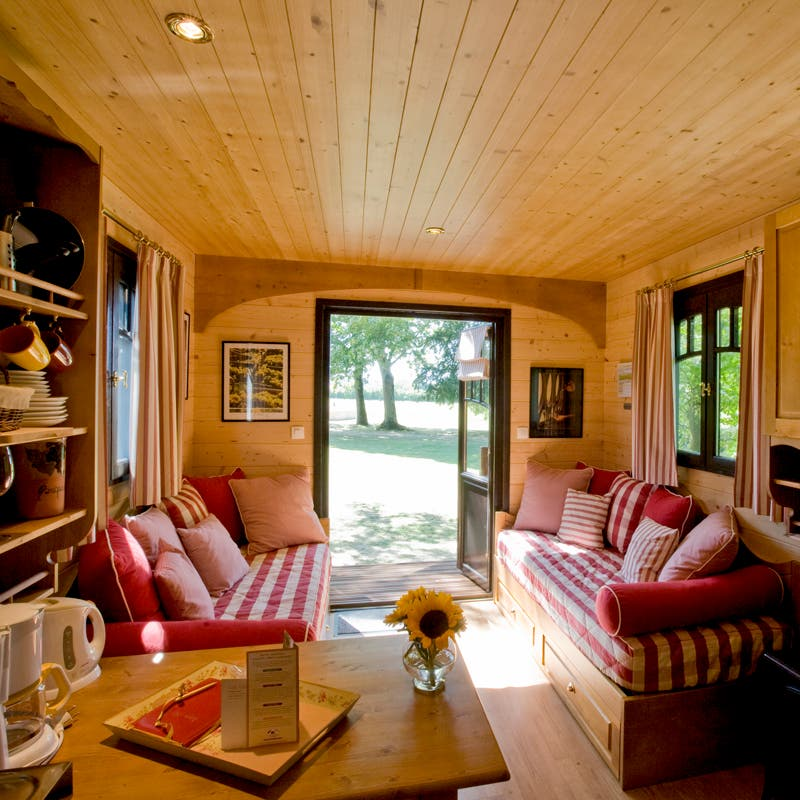Les roulottes de campagne for Tiny houses interior