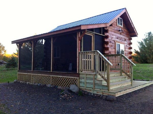 Jon 39 s cabin in wisconsin for Log cabin screened in porch
