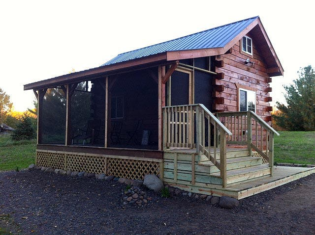 Jon 39 s cabin in wisconsin for Companies that build houses
