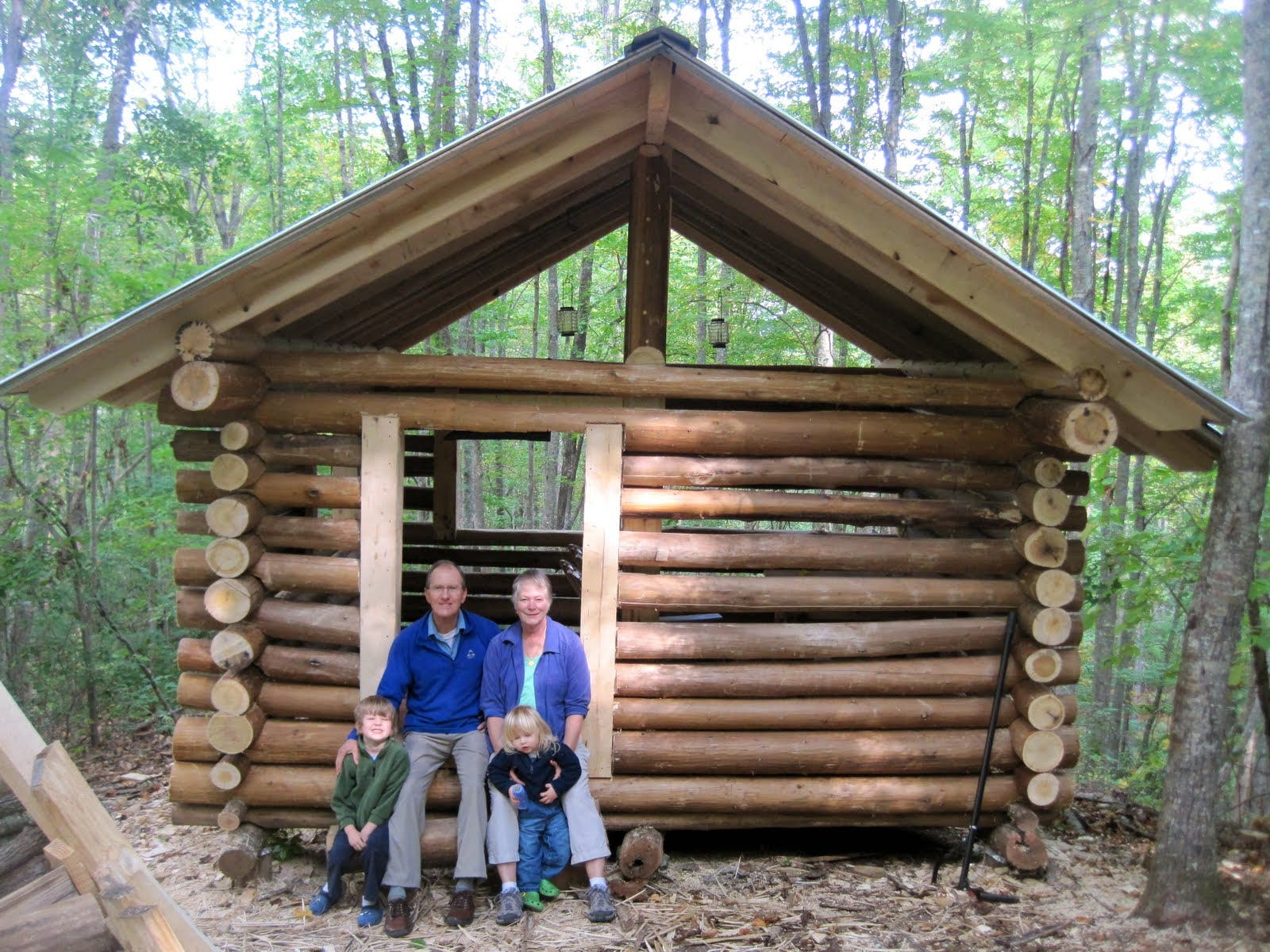 Will gatlin 39 s cold holler cabin for Small cabin construction