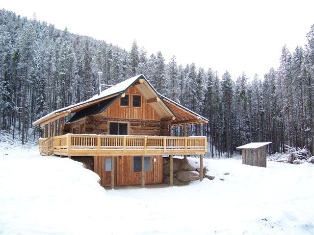 Latest montana mobile cabins for Log cabin with walkout basement