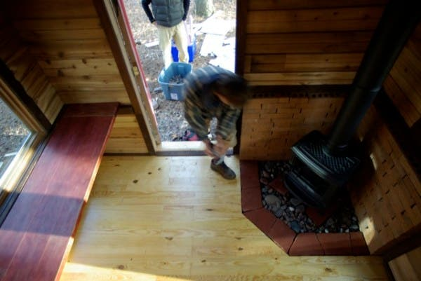 Tom 39 S Writing Guest Shack