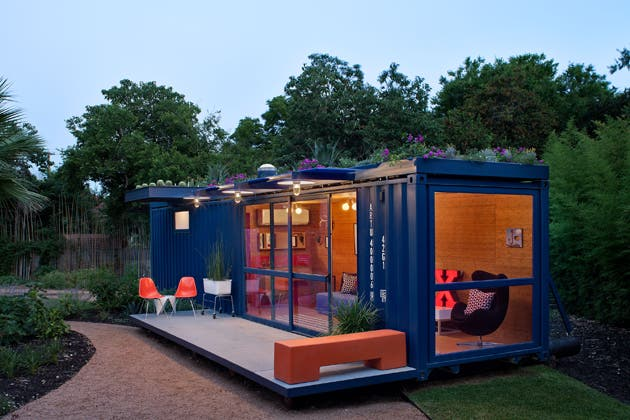 Shipping container guest house - Building shipping container homes ...