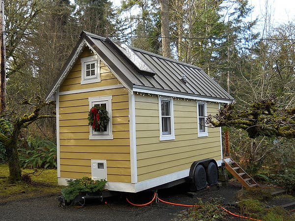 Decorating your Tiny House for the Holidays