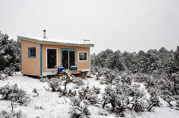 Building a tiny off grid cabin in new mexico for How to build a small house off the grid