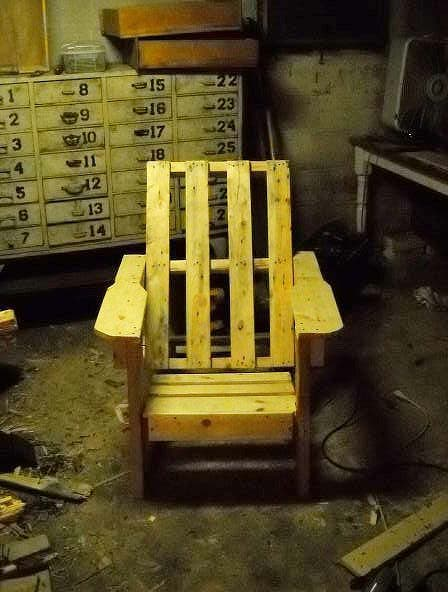 pallet chair construction