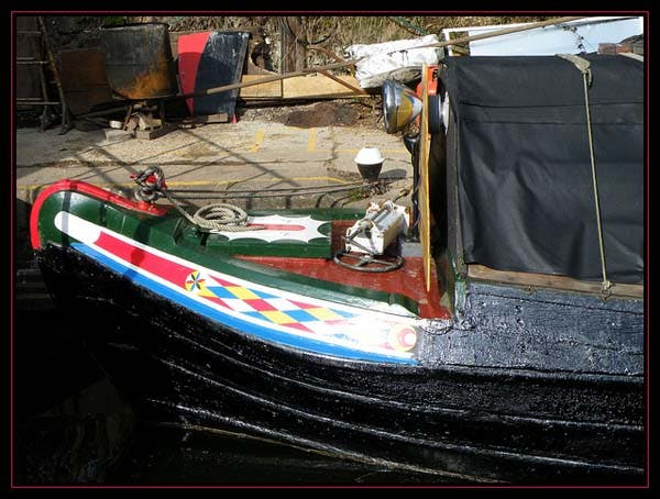narrowboat front