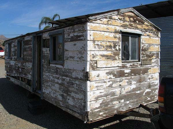 front view of old trailer house