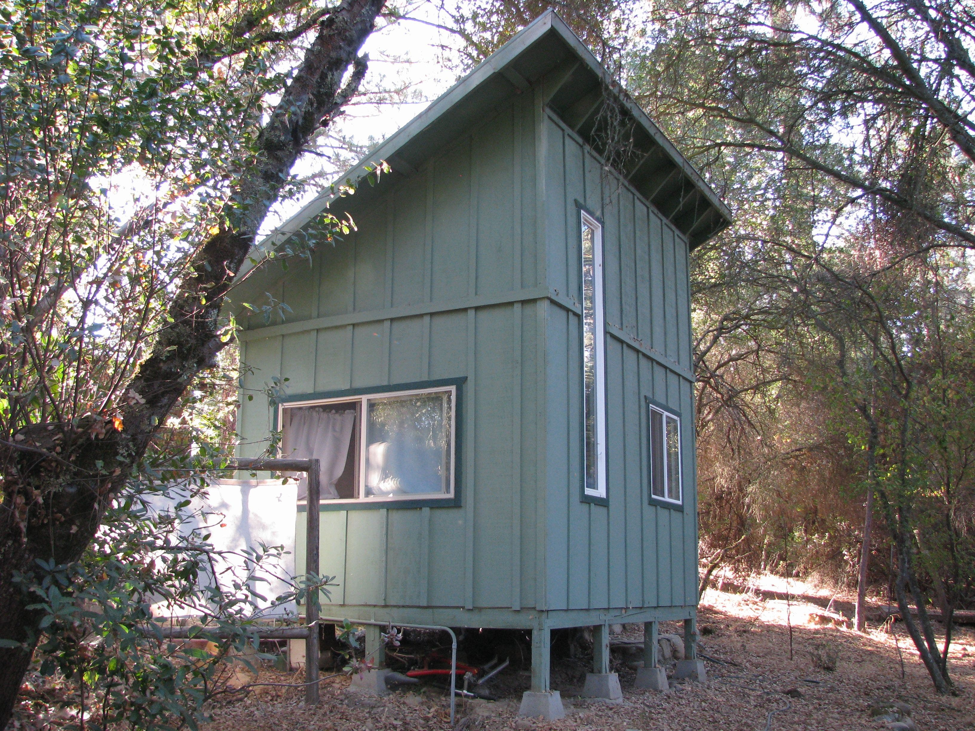 American river guide tiny houses for Shed roof tiny house