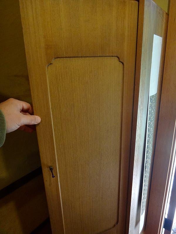closet door detail