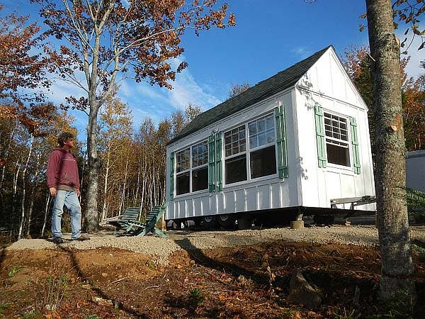 how to build a cabin on a trailer