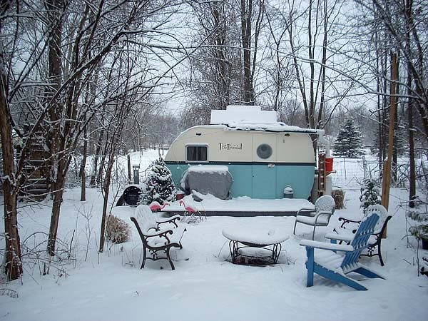 trottwood camper snow camp