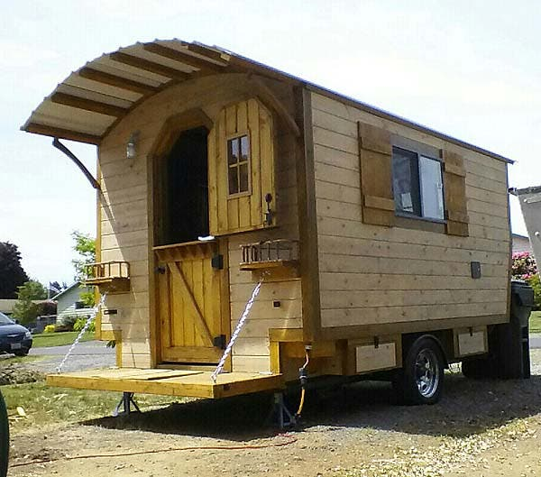 the little rustic cabin on wheels - Mini Houses On Wheels