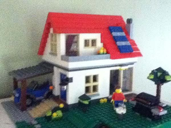 tiny lego house 1