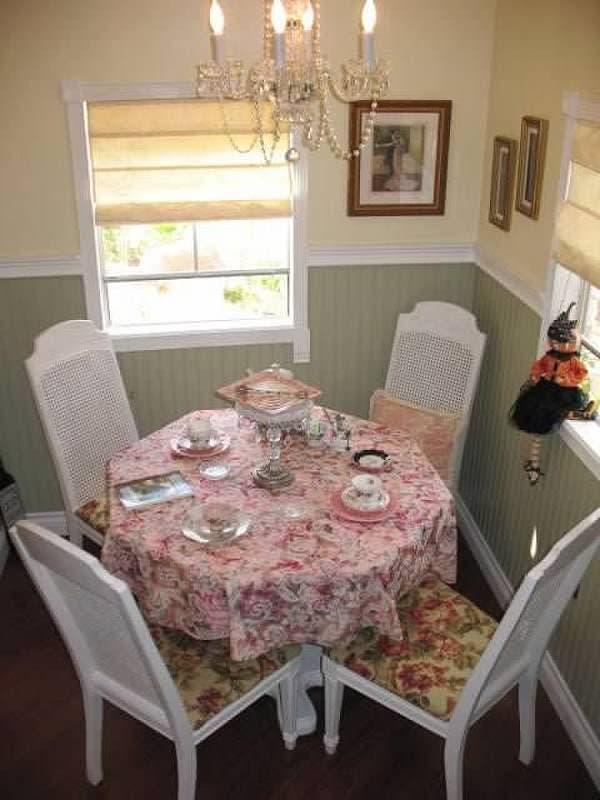 pammie-tea-house-table