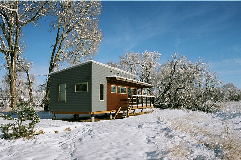Yellowstone river lodge cabins tiny house blog Yellowstone log cabin hotel