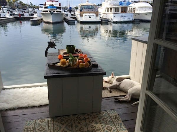 flo-houseboat2