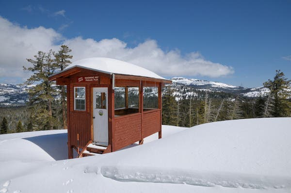 tahoe-warming-hut