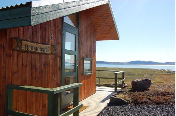 thingvellir-cottage2