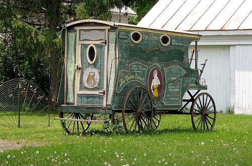 sideshow-gypsy-wagon