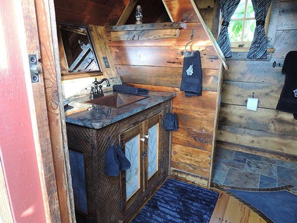 Tahoe-tiny-house5