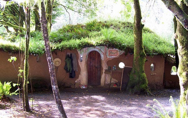 cob-cottage-exterior-lukeman