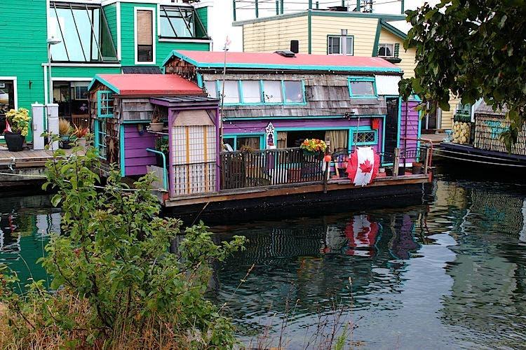Fisherman S Wharf Tiny Floating Home