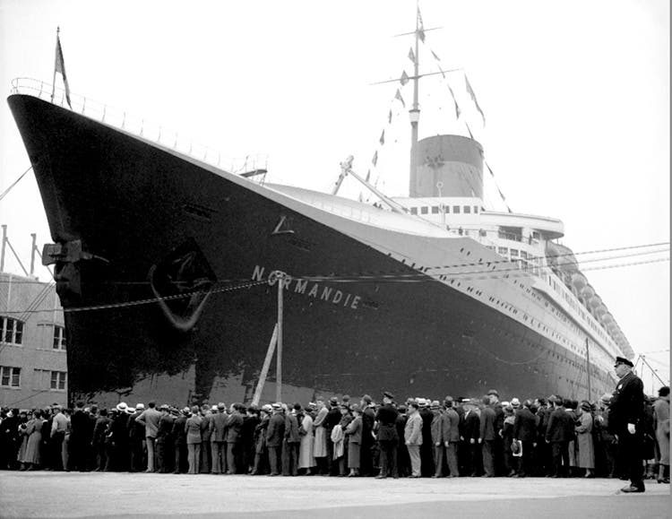The SS NORMANDIE – The greatest luxury liner in history.