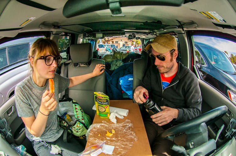 matt and mariah eating