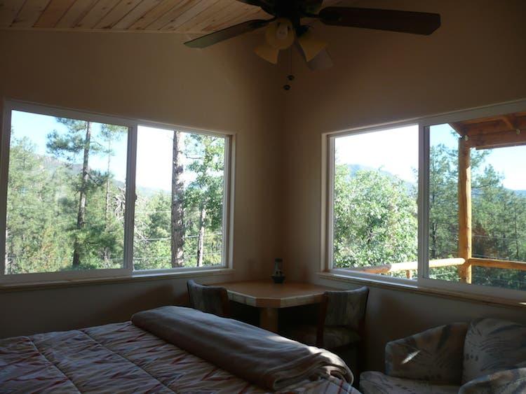 View windows, corner table