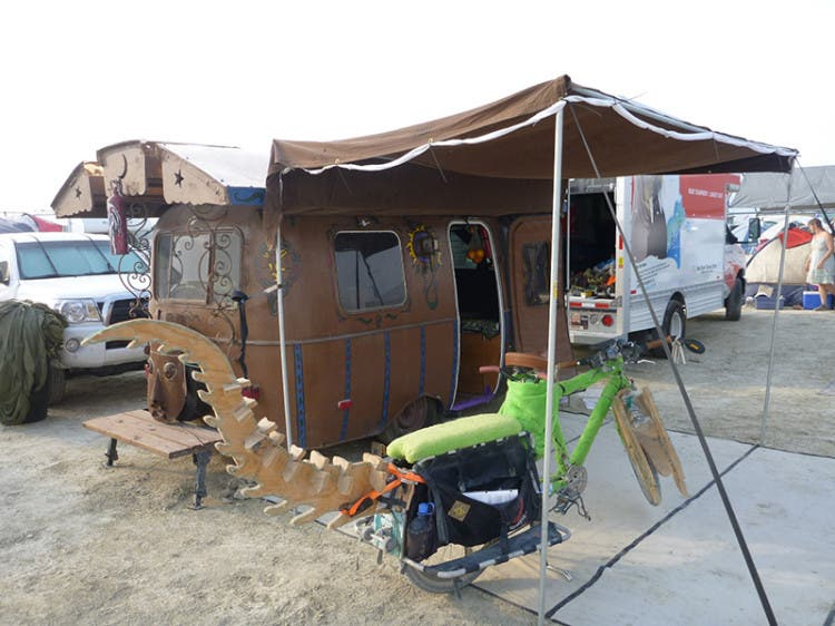 burning-man-tiny-house25