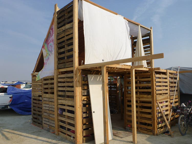 burning-man-tiny-house26