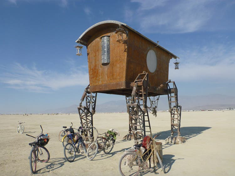 burning-man-tiny-house32