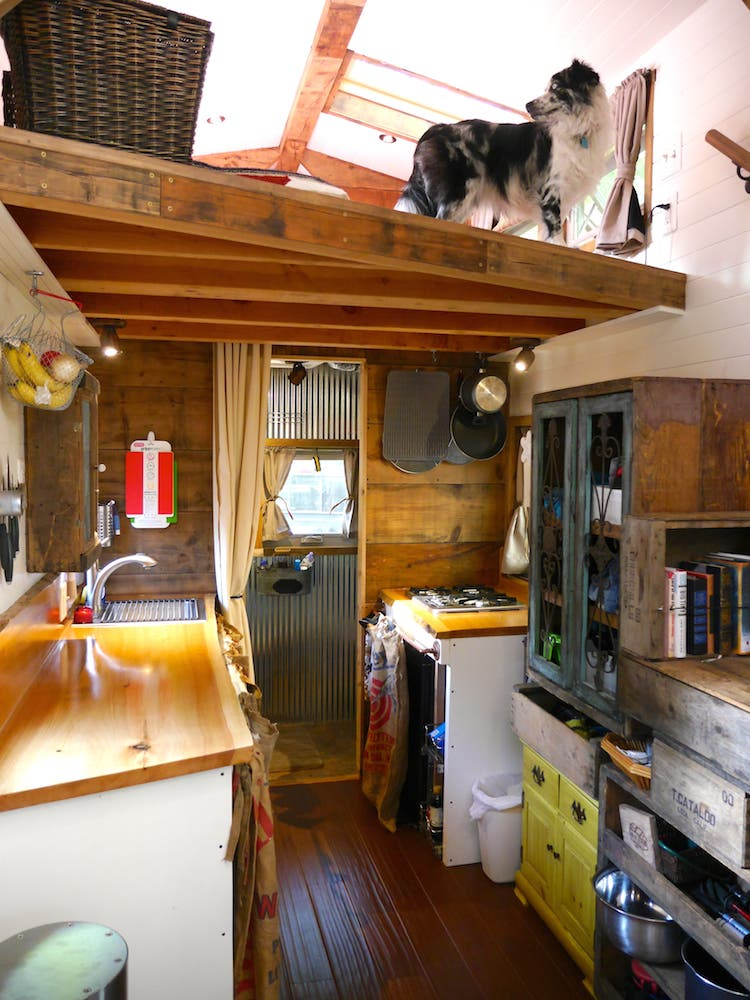 Small House Space Saving Design: Tiny House Giant Journey And Deek