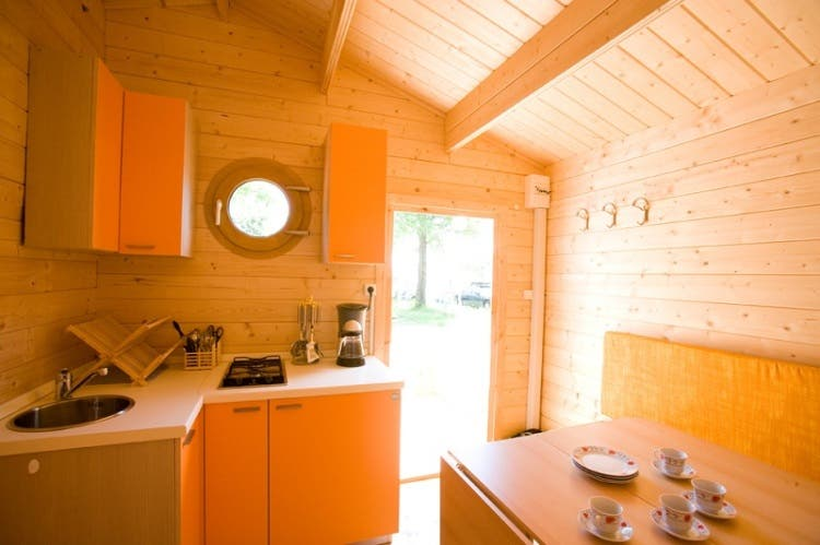 Small_cabin_lights