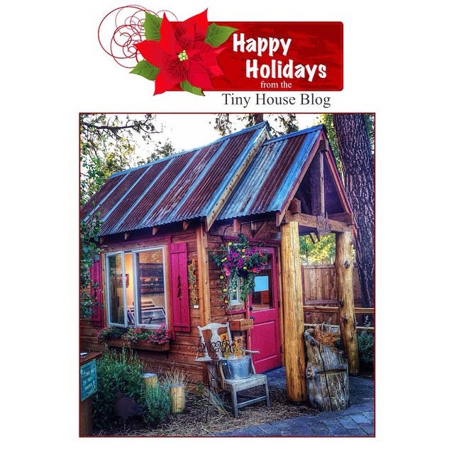 Happy Holidays from the Tiny House Blog and the Griswold family! ??? #tinyhouse #tinyhome #tinyhouseliving #tinyhouseblog #tinyhousemovement #tinyhome #tinyhousenews