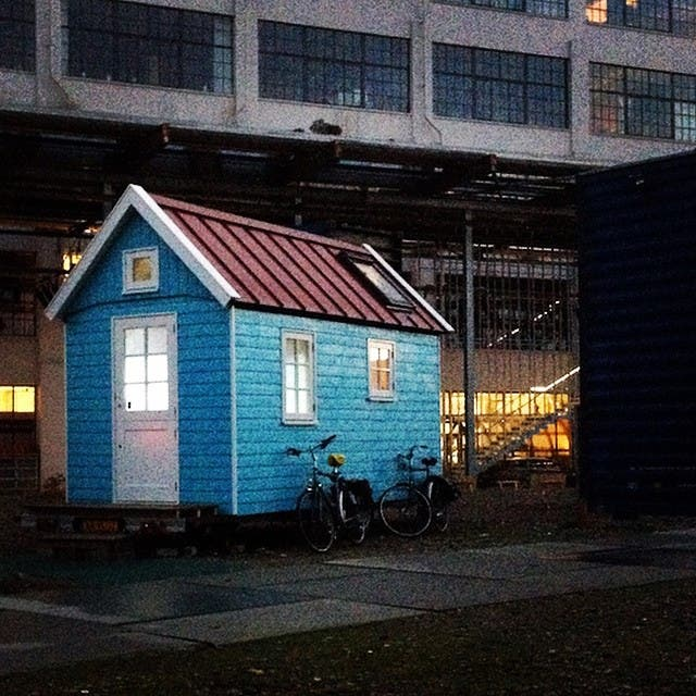 Tiny House in the Netherlands #tinyhouseblog #tinyhouse #tinyhouseliving #tinyhousemovement #tinyhome