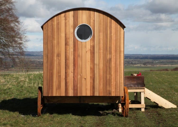 Plain-Hut-shepherds-hut-back